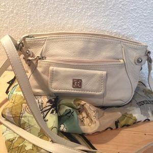 Eggshell white Giani Bernini leather crossbody bag